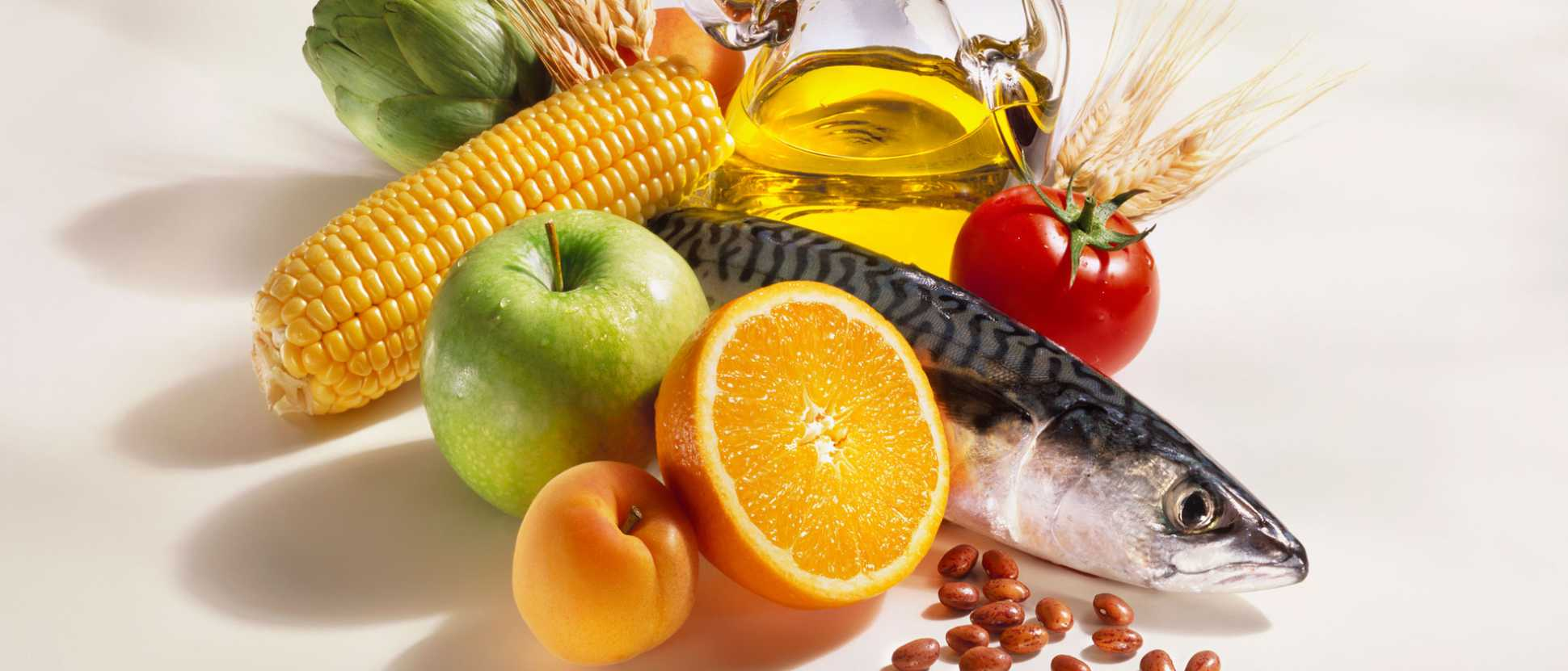 161027-Fruit-rich-Mediterranean-Diet-may-lead-to-a-reduction-in-age-related-macular-degenerationjpg