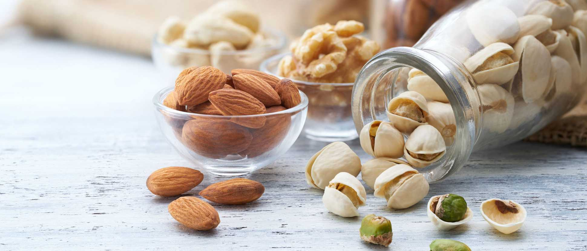 170112-Nut-consumption-reduces-risk-of-chronic-disease-and-mortalityjpg